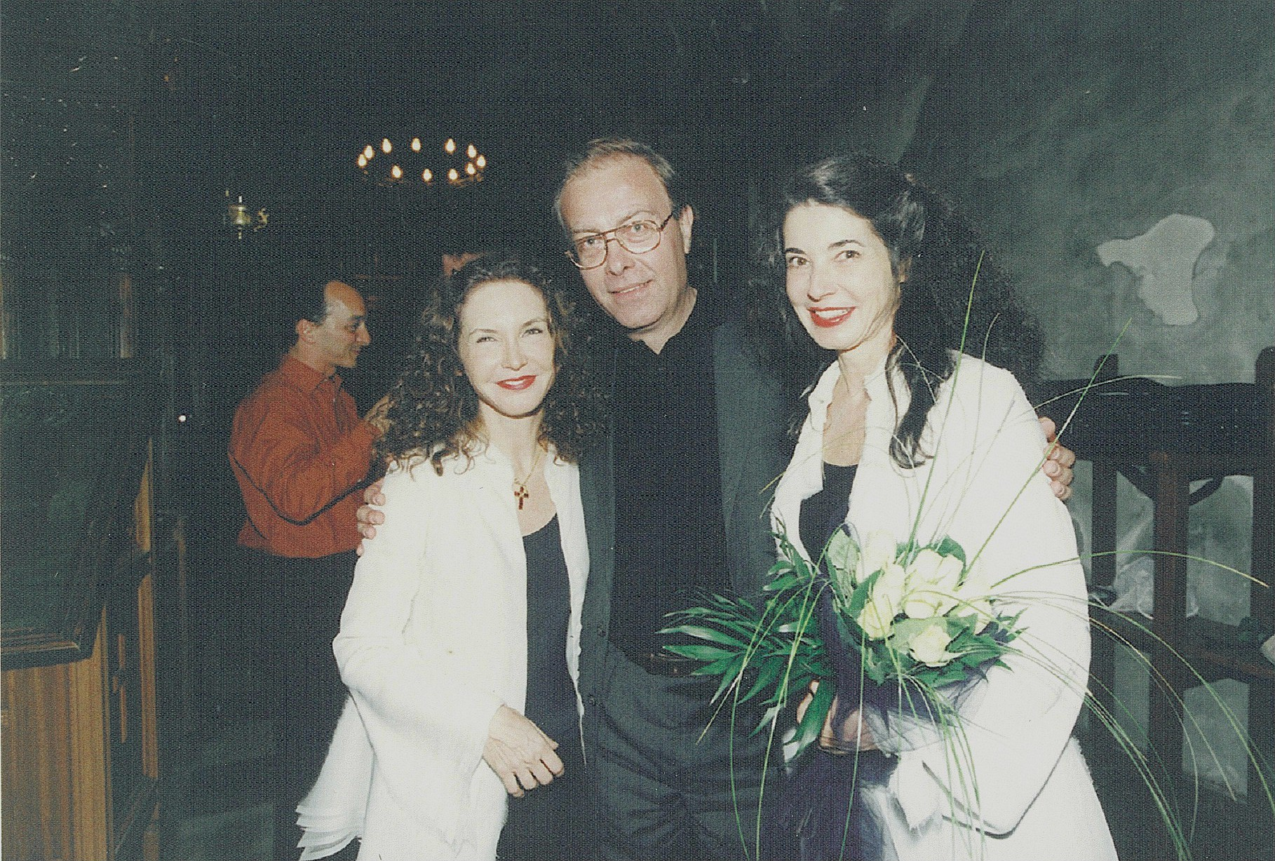 Vakarelis with Katia and Marielle Labeque